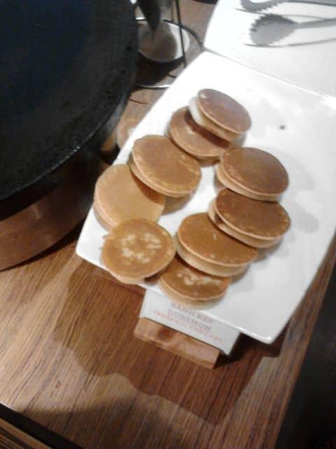 Bánh doremon mini - 161393 doanmyvanly2701 - Nhà Hàng Buffet Hoàng Yến - Bitexco - 2 Hải Triều, Quận 1, Hồ Chí Minh