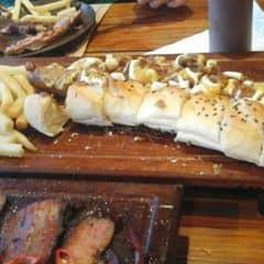 Bánh mì thịt bò sốt bbq của Suu tại Quán Ụt Ụt - Barbecue & Beer - 1638158