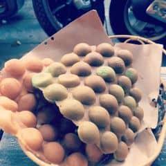 Bánh trứng hàng bên cạnh của Sunny Sugar tại Aroi Dessert Cafe - Nguyễn Thiệp - 1459621