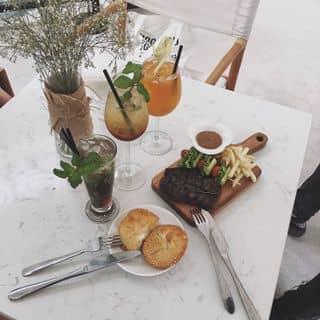 Beefsteak của trampinky tại 190-192 Võ Văn Kiệt, Cầu Ông Lãnh, Quận 1, Hồ Chí Minh - 3922638