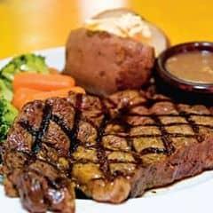 Món này hơi Tây 1 tí nhá hihi phomat thơm lừng béo ngậy, thịt bò ngọt mềmmm oiiii ngon tóa :x