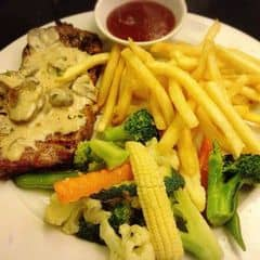 Bò sốt trắng của Pham Bảo Anh tại Pepperonis Restaurant - Giảng Võ - 2197185