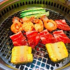 Ăn cho chết luôn mới đưa thịt bò ra.  Đầu tiên toàn đưa thịt lợn k 🙄 Giá đắt hơn Gogi. Đúng là thế giới này em chỉ ăn đc đồ Hàn nướng là Gogi thôi 😢