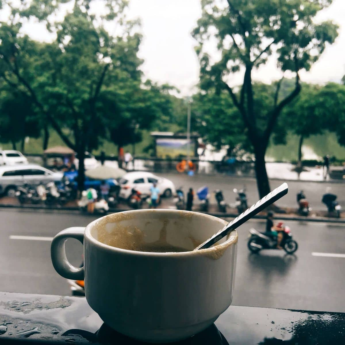 Hanoi one day tour: trying out egg coffee is a must