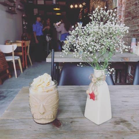 Các hình ảnh được chụp tại Thanks Coffee House