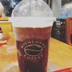 Caramel jelly freeze của Kim Phụng tại Highlands Coffee - Mạc Đĩnh Chi - 400949