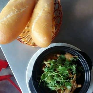 Chân gà mật ong ngũ vị kèm bánh mì của oanh9 tại Kon Tum - 723860