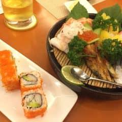 Cơm cuộn California, sashimi của moonngoc93 tại Tokyo Deli - Võ Văn Tần - 1093859
