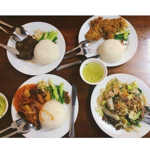 Cơm gà, bò + mỳ bò - 330477 dieulinh1471997 - Cơm 123 - Kim Mã - 365 Kim Mã, Quận Ba Đình, Hà Nội