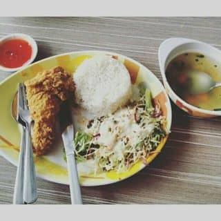 Cơm gà rán của nguyenhungrocket tại 393 Trần Hưng Đạo, Đại Phúc, Thành Phố Bắc Ninh, Bắc Ninh - 573032