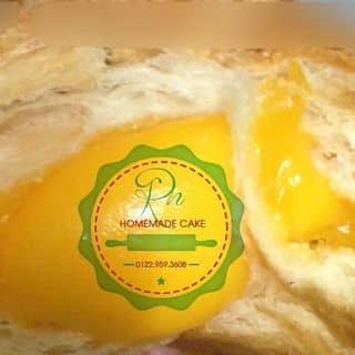 Croissant trứng muối thần thánh của rainhomemadecake tại Chợ Phường 10, Quận 10, Hồ Chí Minh - 2095056