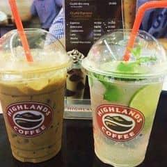 Highlands Coffee - Nguyễn Đình Chiểu