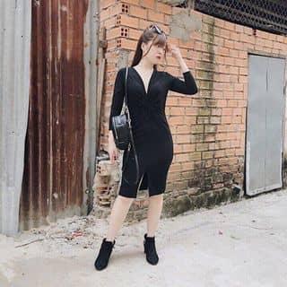 Đầm body xoắn eo cổ sâu sexy vừa đủ của pigu11 tại Hồ Chí Minh - 2569893