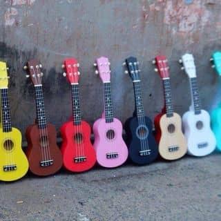 Đàn ghita màu 😍 của dunnuocmoingay2010 tại Chợ Đêm Đà Lạt, Thành Phố Đà Lạt, Lâm Đồng - 1138731