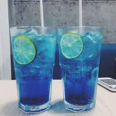 Deep blue and light color của Pin Trương tại Urban Station Coffee Takeaway - Tô Hiến Thành - 749460