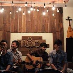 ĐẾN HẸN LẠI LÊN. Thư giãn cuối tuần cùng mộc cafe ĐA DẠNG sắc màu ACOUSTIC  THỨ 7 HÀNG TUẦN TỪ 8:00 - 10:00 pm  CỨ TỰ TIN HÁT, CÒN LẠI MỘC SẼ LO  Gặp lại 4 chàng trai siêu dễ thương ART Band đến từ Sinh viên Đại học Kiến trúc TP. HCM. Thăng trầm theo từng giai điệu. Cùng giao luu với Band nhạc tạo nên đêm nhạc đầy màu sắc.  #acoustic #sinhvien #moccafe #cafemoc #dadangsacmau   mộc cafe  130a Nguyễn Đình Chiểu, P6, Q3  (Ngã tư Nguyễn Đình Chiểu và Phạm Ngọc Thạch)  0866595522 (Đặt chỗ để mộc phục vụ tốt nhất nhé)  P/s: Đến mộc, mộc hứa không làm bạn thất vọng  Không gian xanh mát giữa lòng Sài Gòn  Thức uống ngon, an toàn cho sức khỏe.
