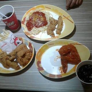 Đi ăn của cherrychennel tại Kiốt 1+2+3 Khu Tự Xây Đường Kênh Liêm, Thành Phố Hạ Long, Quảng Ninh - 1677436