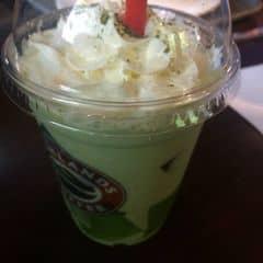 Frezze trà xanh của Hằng Trần tại Highlands Coffee - Mạc Đĩnh Chi - 315779