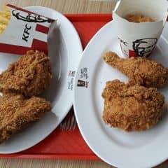 Gà rán của Khánh Quỳnh tại KFC - Cầu Giấy - 2592272