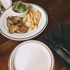 Gà rút xương của Hằng Nga tại Cowboy Jack's American Dining - Hoàng Đạo Thúy - 1545290