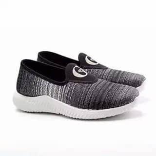 Giày sneaker thơi trang zapas của truonghuu10 tại Bình Dương - 2671403