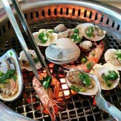 Món ăn đa dạng, nhân viên tươi tắn, chỉ có điều các món hải sản cần làm sạch kỹ hơn do còn nhiều mùi tanh quá.