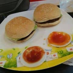 Hamburger 🍔 của 🍴trang°cá°470🍴 tại Lotteria - Xã Đàn - 2378477