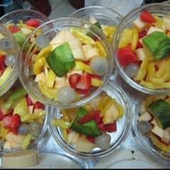 Hoa quả được chọn thoả thích, chọn đến khi đầy cốc mà giá lại hạt rẻ luôn :)))