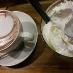 Hot Chocolate and Passion chanh dây của Lạc Anh Thư tại Urban Station Coffee Takeaway - Hoa Sứ - 1376226