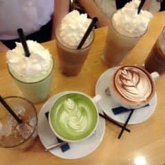 Cafe siêu ngon luôn Trang trí lại đẹp nữa Giá cũng dễ thương Sẽ dẫn ông kẹ đi uống ^^😍😍😘😘