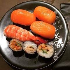 #happykichi - Nghe bạn bè rủ rê đi kichi, ban đầu ko hào hứng lắm, đi rồi quả nhiên là ko thất vọng xíu nào luôn 😊😊😊 Thích nhất là sushi cá hồi, cá tươi, ngọt, ăn cực kì ngon. Tính ra giá rẻ, vì có thể ăn được rất nhiều loại :D Sushi trên line nhiều lắm đó, quá trời loại luôn.