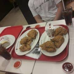 Kfc của Thùy Dương Trương Trang tại KFC - Bà Hom - 2232128
