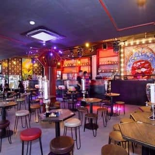 YOLO Pub & Cafe - Phạm Ngũ Lão