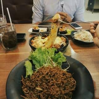 Kimbap + gà cay phô mai + mì tương đen của ngghuong tại Hẻm 199 Cách Mạng Tháng Tám, phường 4, Quận 3, Hồ Chí Minh - 3177406
