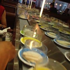Nước lẩu hơi mặn. Nhân viên thì tạm ổn nhưng đồ ăn cứ kêu hết hoài. 😕