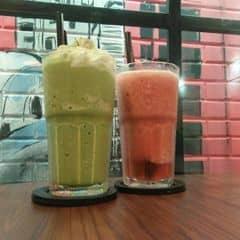 Matcha blended + Sorbet Redberry của Kim Uyên tại Urban Station Coffee Takeaway - Lê Văn Sỹ - 1755595