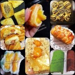Order bánh thui khách iuuuuu 🙌🏻🙌🏻 🔴 Bông Lan Trứng Muối   🔺Size Tròn:  - Bánh bltm sz16 100k/hộp  - Bánh bltm sz20 130k/hộp   - Bánh bltm sz 16 ( 5 trứng 6 phomai ) 160k   - Bánh bltm sz 20 ( 6 trứng 8 phomai ) 200k  🔺Size Hình Chữ Nhật:  - Bánh bltm hcn nhỏ 60k ( 2 trứng 2 phomai )   - Bánh bltm hcn to 120k ( 4 trứng 4 phomai )   🔴 Bánh Cuộn ( Trà xanh, Sôcla ) 60k/cuộn  🔴 Bánh Sừng Bò Trứng Muối 100k/5c to  🔴 Bánh Bao Kim Sa 80k/hộp 5c to 🔴 Bánh Mỳ Hoa Cúc Brioche 60k/ổ  🔴 Bánh su kem Pháp 40k/hộp 8c 🔴 Bánh Patesso 70k/hộp 3c 🔴 Bánh Sừng Bò Xúc Xích Phomai 100k/5c 📲Hotline: 01634930006 imess/zalo/viber   ❌Insta: inn.cakee ; FB: Bích Ngọc ( Bông Lan Trứng Muối )   KHÁCH QUA NHÀ LẤY GỌI EM TRƯỚC 30p ĐỂ EM CHUẨN BỊ BÁNH Ạ!!!