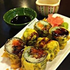 Món sushi này không quá kén người ăn đâu, dù bạn không thích ăn sushi thì vẫn sẽ bị em này làm ghiền.