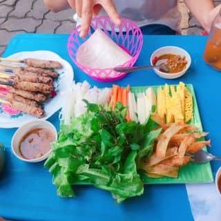Nem lụi + bánh mì muối ớt 😂 của phuongtatto1 tại 66 Máy Tơ, Ngô Quyền, Thành Phố Nam Định, Nam Định - 4608297
