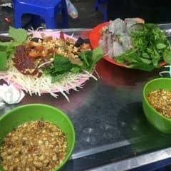 Nộm bò + bánh bột lọc của Cáo Chín Đuôi tại Long Vi Dung - Nộm, Nem, Bánh Bột Lọc - 1985645