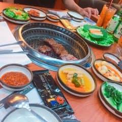 Khá đắt, nên ăn ở Cao Thắng or Aeon Bình Tân vì có buffe, sẽ lợi hơn nhiều, 2 mức giá 179k và 219k Được ăn thoả thích, no say thì về Chỗ này lại không coa buffe nên T khá là buồn Nước chấm đặc trưng cho các loại hình nướng Hàn Quốc