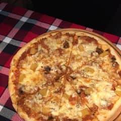 Pizza số 8 - Bbq choice. Mình chọn pizza với thịt bò,sốt mayo cay. Nói chung là với những ngươif tưeu cầu không quá cao, không quá thấp thì đồ ăn ở chuỗi cửa hàng Pepperonis vẫn là một trong những lựa chọn hấp dẫn ;).