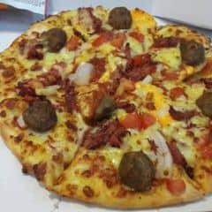Pizza bò của Trương Kim Hậu tại Domino's Pizza - Quang Trung - 2461494