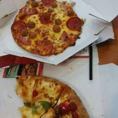 PIZZA DOMINO BÒ VIÊN của zyyy tại Domino's Pizza - Quang Trung - 2665974