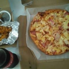 Pizza + gà BBQ của Cassie Lương tại Domino's Pizza - Quang Trung - 1303184