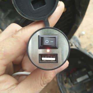 Sạc điện thoại trên xe máy của ue01v3552 tại Sơn La - 3119888