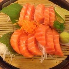 Sashimi cá hồi của Kelsey tại Tokyo Deli - Võ Văn Tần - 217646