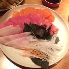 Sashimi cá hồi - cá ngừ - cá kiếm.  của Hanjin Hoàng tại The LOG - Dine & Wine - GEM Center - 1710567