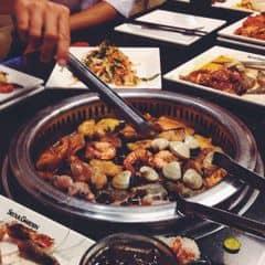 lẩu nướng tại Seoul Gảden. Mình thấy không gian k đc đẹp& rộng như trc nhưng các món ăn cũng ngon và nhất là thịt heo ba chỉ nướng😋