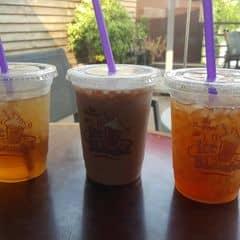 Socola bạc hà và trà hoa hồng, trà chanh của Buông Hayleon Mặc tại The Coffee Bean & Tea Leaf - Thanh Niên - 1742458